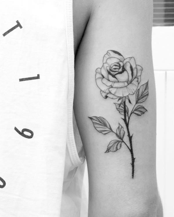 10 tatuagens de rosas para voc se inspirar e o seu